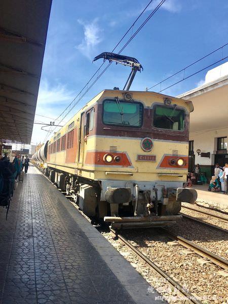 摩洛哥私人訂製團x前進撒哈拉沙漠 ||從卡薩布蘭卡Casablanca 搭火車往 馬拉喀什Marrakech 等著被宰的觀光客